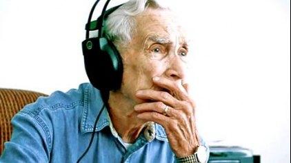Στο top10 των τσάρτς το...πρώτο τραγούδι ενός 96χρονου