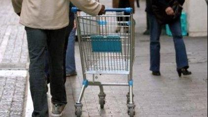 Ραγδαία η μείωση της καταναλωτικής δαπάνης