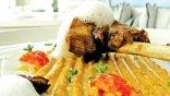 Κρητικό αρνάκι σιγοψημένο σε αρωματικό ελαιόλαδο. Κρέμα από ξινόχοντρο και αέρα ανθότυρου