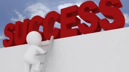 Ας Αναδείξουμε τους Επιτυχημένους