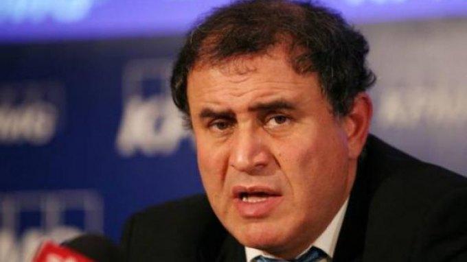 Ρουμπινί: Η Ελλάδα θα αναγκαστεί να υποχωρήσει