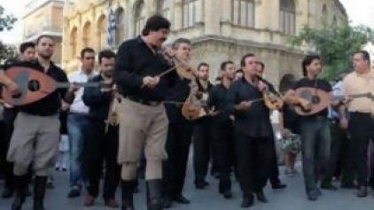 Καντάδα σε αναγεννησιακό σκηνικό στο κέντρο της πόλης του Ηρακλείου