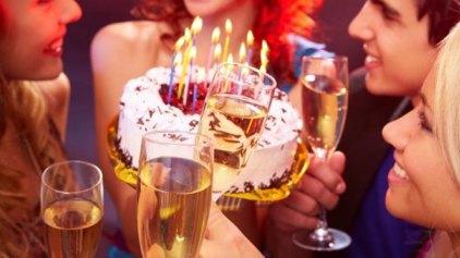 """Γιόρτασες δημόσια τα γενέθλιά σου; Στο """"σκαμνί""""!"""