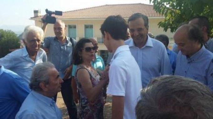 Μαζί με τον γιο του ψήφισε ο Σαμαράς