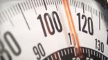 Επτά στους δέκα Έλληνες είναι υπέρβαροι