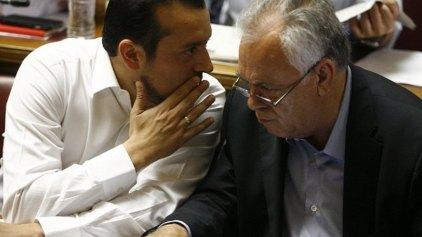 Μοίρασε αρμοδιότητες ο Τσίπρας: Ο Δραγασάκης τις τράπεζες, ο Παππάς ΜΜΕ και επενδύσεις