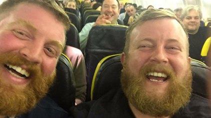 Δυο άγνωστοι και ολόιδιοι άνδρες συναντήθηκαν τυχαία στην ίδια πτήση