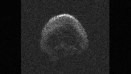 Με... νεκροκεφαλή μοιάζει ο κομήτης που θα «φλερτάρει» σήμερα με τη Γη
