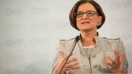 Γιοχάνα Μικλ - Λάιτνερ: Παράλογη η κριτική στην προσφυγική πολιτική μας