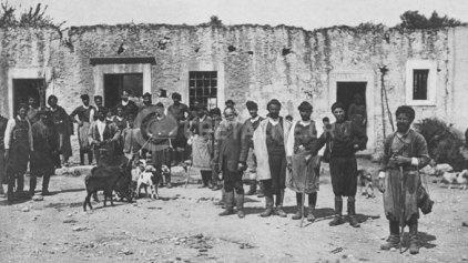 Στις Μοίρες την Άνοιξη του 1914