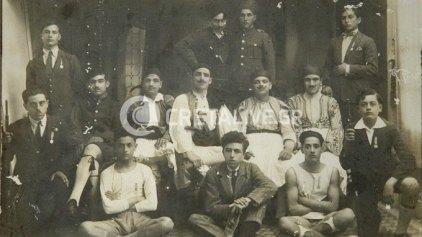 Μια μαθητική ποδοσφαιρική ομάδα του 1925