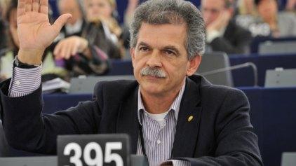 Στη Βουλή η μη λειτουργία του Κέντρου Διαλογής Ανακυκλώσιμων Υλικών