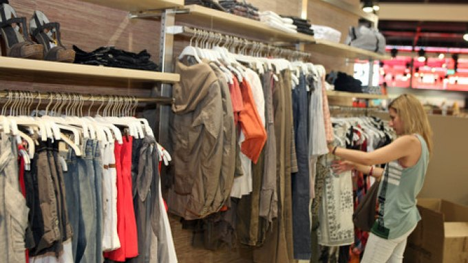 Ξενοδόχοι: Ανοιχτά τα καταστήματα όλες τις Κυριακές