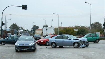 Καραμπόλα 15 αυτοκινήτων στην περιφερειακή οδό