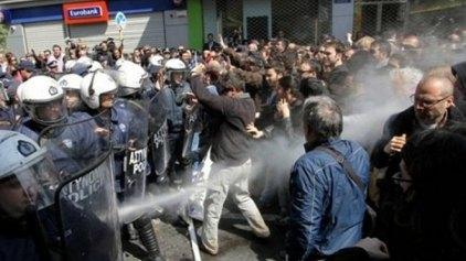 Ενώπιον του δικαστηρίου για τα επεισόδια στην παρέλαση της 25ης Μαρτίου
