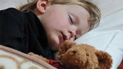 Πώς θα μάθω στο παιδάκι μου να κοιμάται μόνο του;