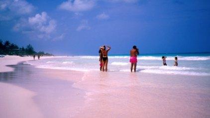 Οι 10 πιο «απόμερες» παραλίες του κόσμου – Ναυαγήστε άφοβα!