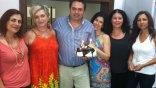Μια τούρτα-έκπληξη για τον Πρόεδρο