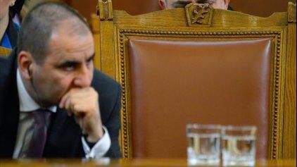 Σε δίκη για υποκλοπές πρώην υπουργός Εσωτερικών