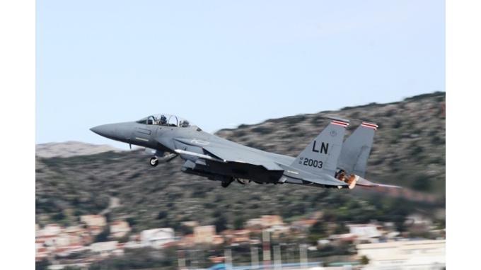Εντυπωσιασμένοι από τους Έλληνες πιλότους οι Αμερικανοί