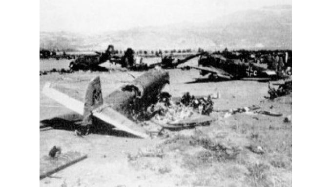 Όταν ο κόσμος ολόκληρος παραμιλούσε για το κατόρθωμα των έξι μαχητών στην Κρήτη