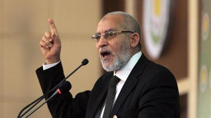 Καρδιακή προσβολή υπέστη ο ηγέτης των Αδελφών Μουσουλμάνων