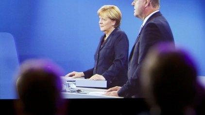 Μέρκελ: Θα συνεχίσω να πιέζω την Ελλάδα για μεταρρυθμίσεις - Πιθανό νέο πακέτο