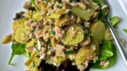 Σαλάτα τόνου με πατάτες και μυρωδικά!
