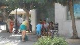 «Ένα και δύο και τρία και τέσσερα παιδιά»… στο δρόμο
