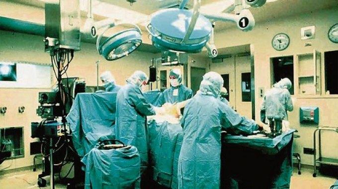 Χειρουργεία και τo απόγευμα με έξτρα αμοιβή για τους γιατρούς του ΕΣΥ