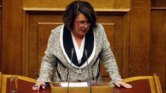 Η Βουλή δεν ήρε την ασυλία της Μ.Διακάκη για τις ακάλυπτες επιταγές