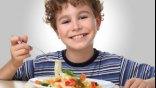 Γιατί τρώμε λιγότερο όταν μασάμε αργά