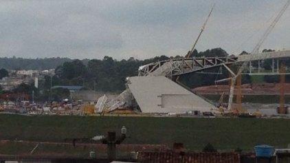 Τραγωδία! Κατέρρευσε οροφή γηπέδου