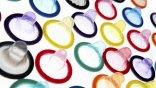 Το προφυλακτικό «προτιμούν» οι Έλληνες έφηβοι στις ερωτικές επαφές τους