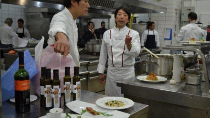 Ιάπωνες σεφ μαγειρεύουν… κρητικά!