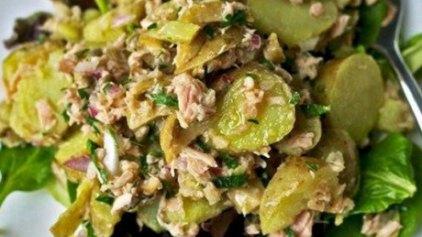 Σαλάτα τόνου με πατάτες και μυρωδικά