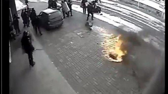 Επιχείρησαν να κάψουν δημαρχείο