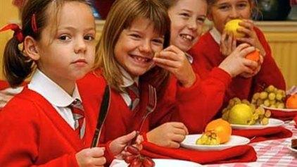 Ευρωπαϊκή εκστρατεία για την κατανάλωση γάλακτος και φρούτων στα σχολεία