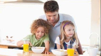 Ο δεκάλογος της σωστής διατροφής για τους γονείς