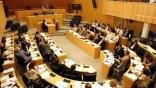 Εμπλοκή με την τρόικα στην Κύπρο