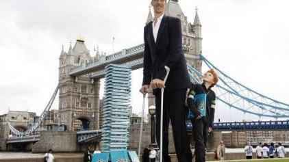 Στο Σίδνεϊ ο υψηλότερος άνθρωπος του κόσμου