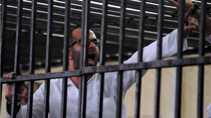 Σε θάνατο καταδικάστηκαν δύο υποστηρικτές του πρώην προέδρου Μόρσι