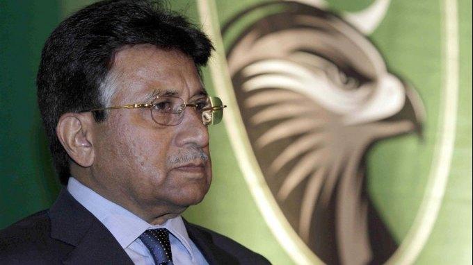 Για εσχάτη προδοσία κατηγορήθηκε ο Μουσάραφ