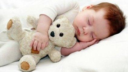 """"""" Κλειδί"""" για τη μνήμη και μάθηση στα μωρά, ο ύπνος"""