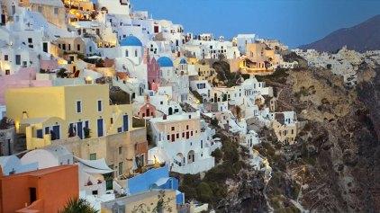 Times: Οι αγοραστές επιστρέφουν στα ελληνικά νησιά