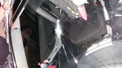 Μία σφαίρα καρφώθηκε στο αμάξι της