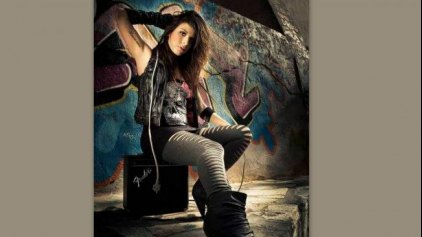 Δύσκολες ώρες για την τραγουδίστρια, Πένυ Σκάρου – Έχασε το πόδι της μετά από ατύχημα!