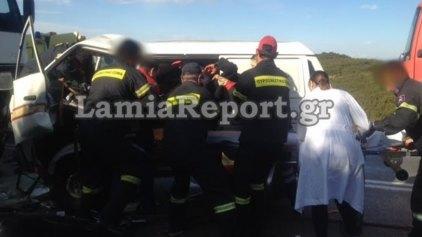 Ένας νεκρός σε μετωπική σύγκρουση φορτηγού με ΙΧ