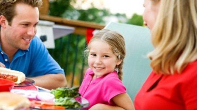 Πώς θα κάνετε τα παιδιά σας να τρώνε τα πάντα