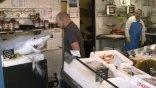 «Ζωντάνεψε» καρχαρίας σε ιχθυοπωλείο